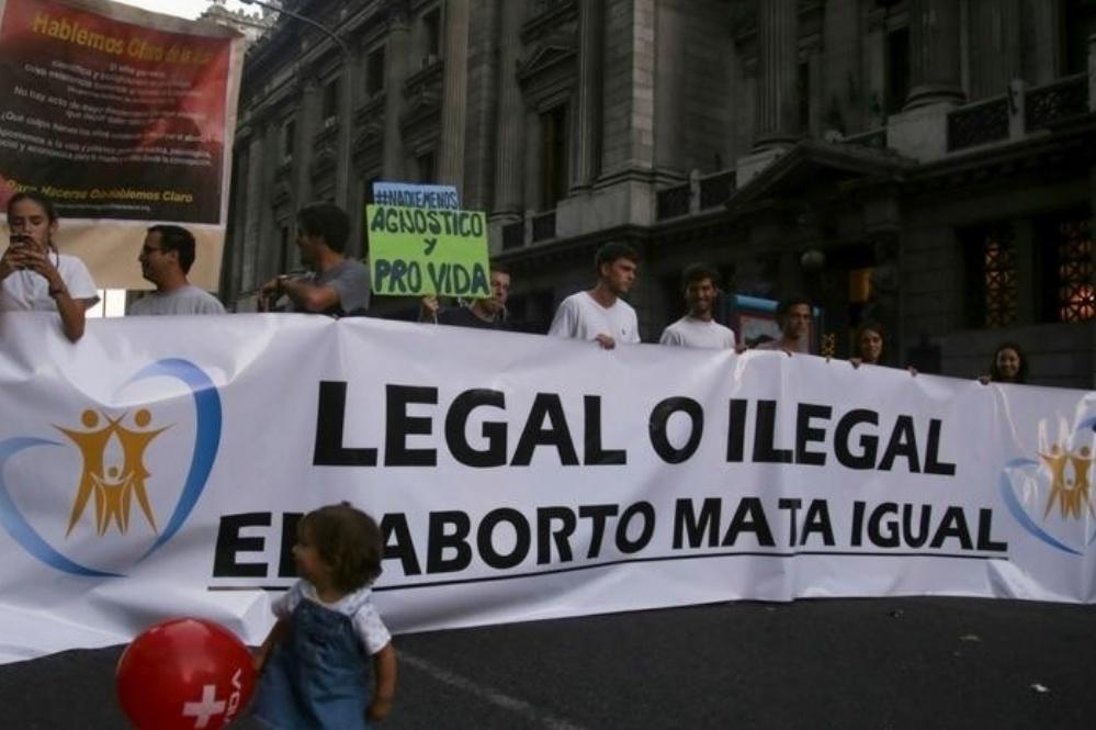 Multitudinaria marcha en contra del aborto