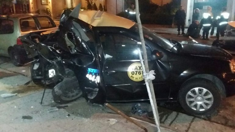 Robó un auto, chocó y mató a un taxista