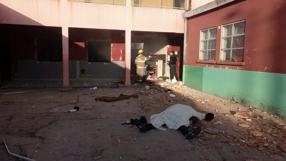 Explosión de gas en escuela de Argentina deja al menos dos muertos