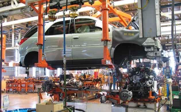 Según el INDEC en junio la industria se hundió 8,1%
