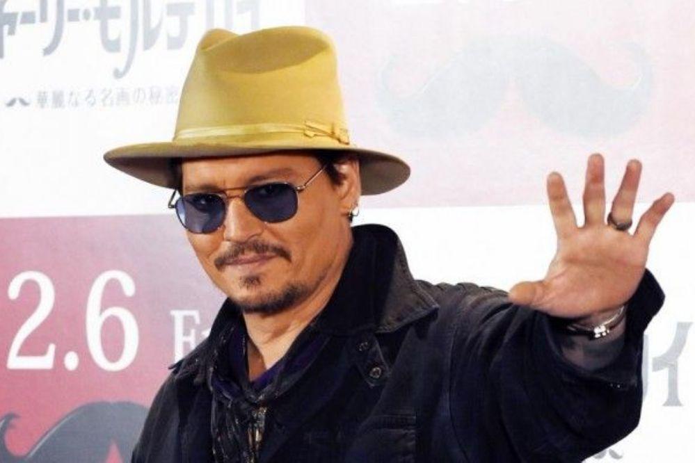 Johnny Depp asegura que fue atacado por el chupacabras