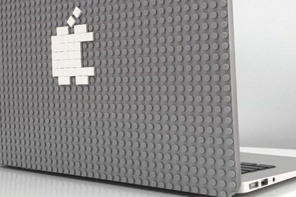 Conocé la funda para personalizar tu notebook con piezas de LEGO