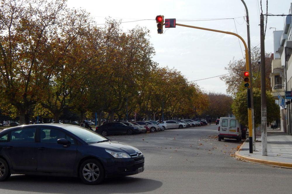 """Buscando la """"onda verde"""": """"De 9 semáforos, 8 estaban en rojo"""""""
