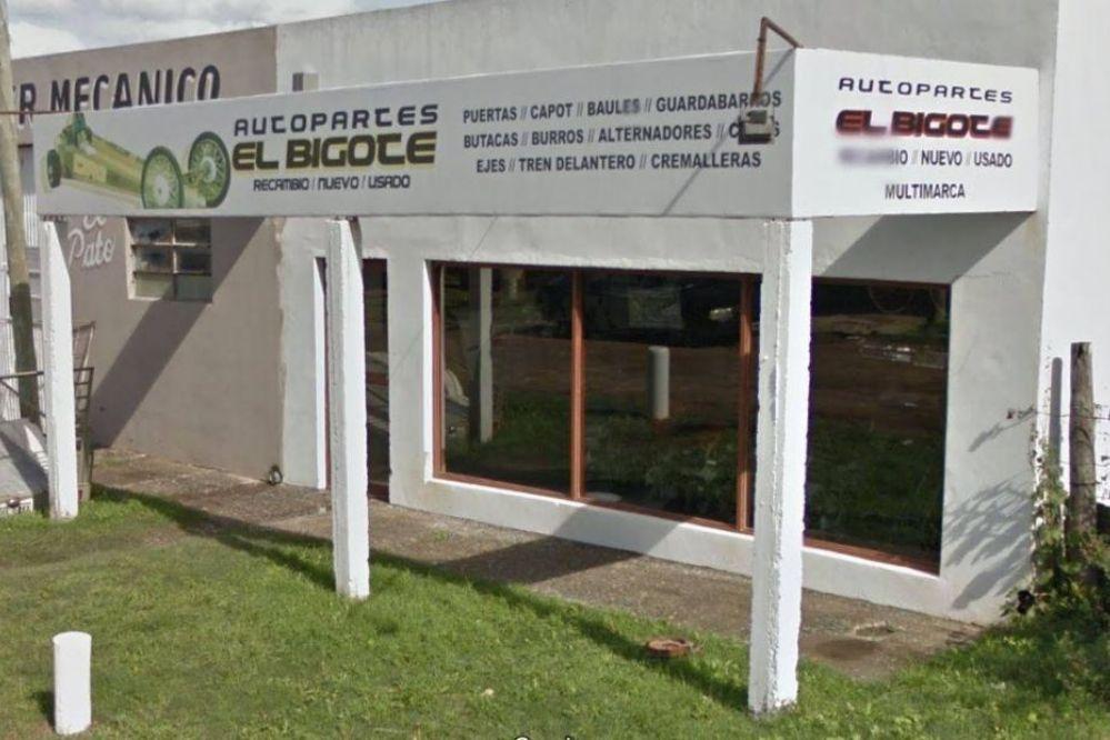 """Robaron 90 mil pesos del desarmadero """"El Bigote"""""""