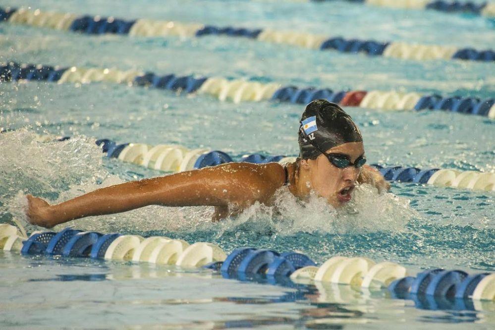 Premiarán a la nadadora Belén Díaz por sus récords del 2016