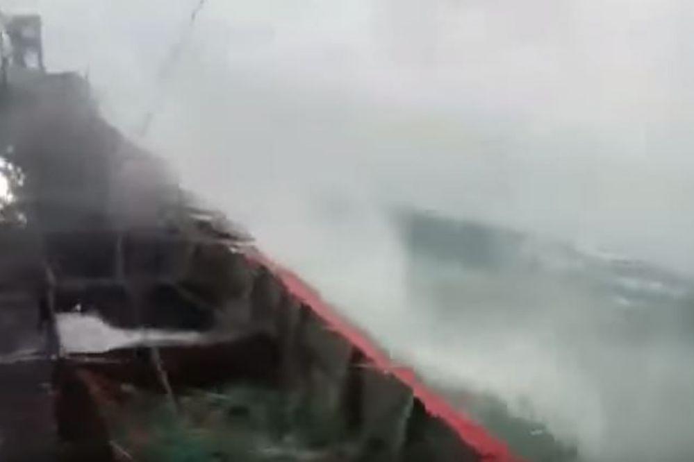 Espectacular video del temporal desde un barco pesquero