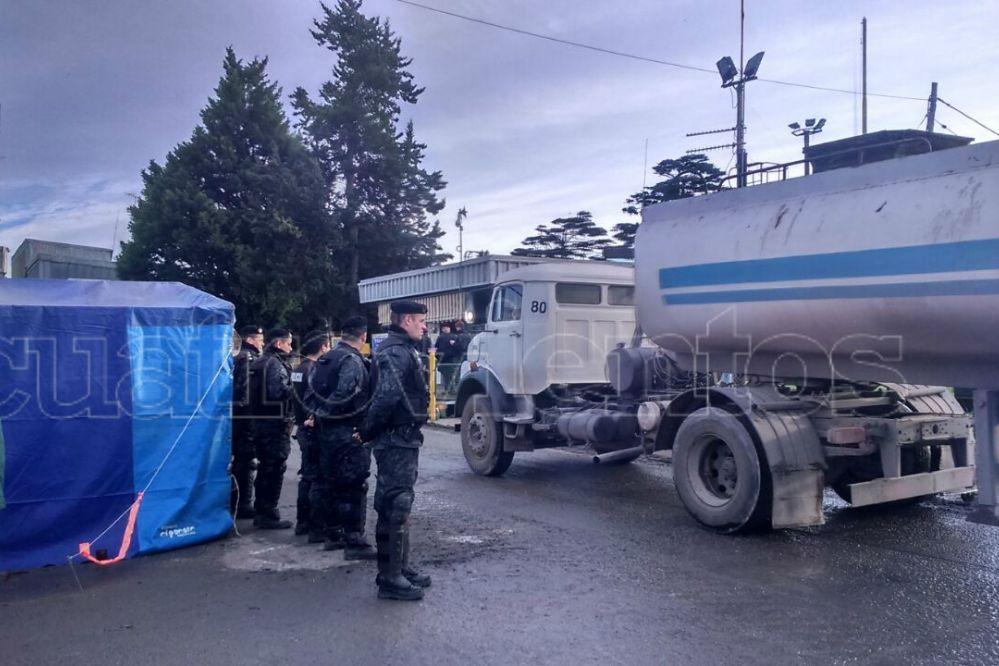 Cuarto día de huelga de hambre en Cargill: Operativo policial en la madrugada