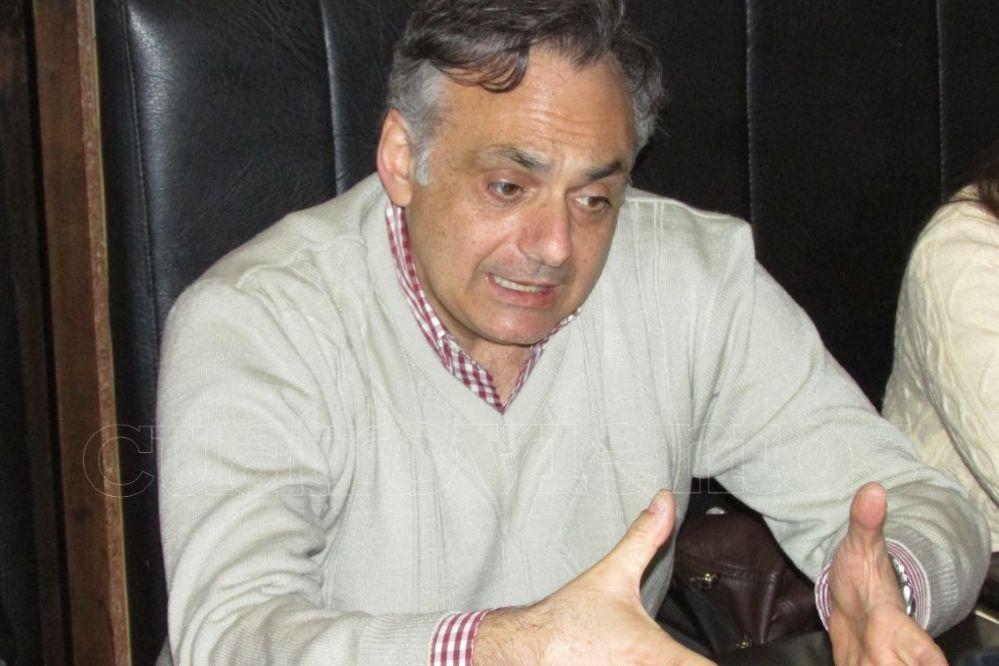 Bagnato buscó gente en Necochea y contó sobre su pasado en la ciudad