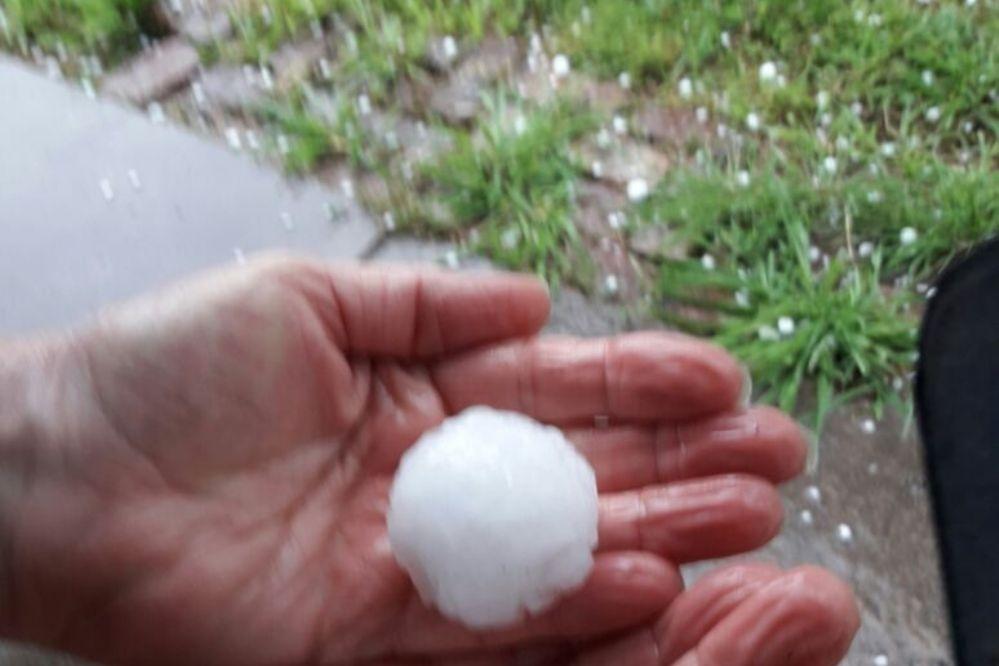 En La Dulce cayó granizo del tamaño de una pelota de golf