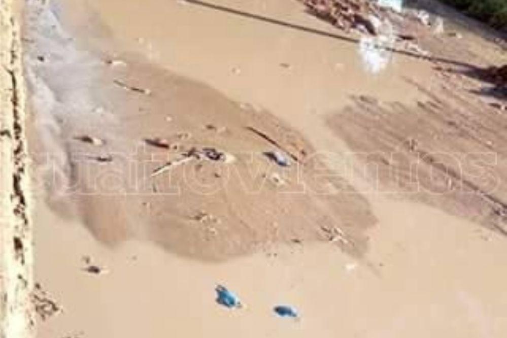 #EnLasRedes: Caño cloacal vierte sus líquidos en una calle del barrio San Martín