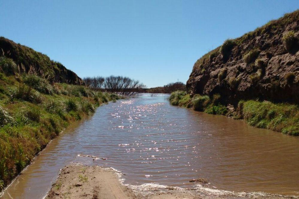 Defensa Civil advierte por la crecida del Río Quequén