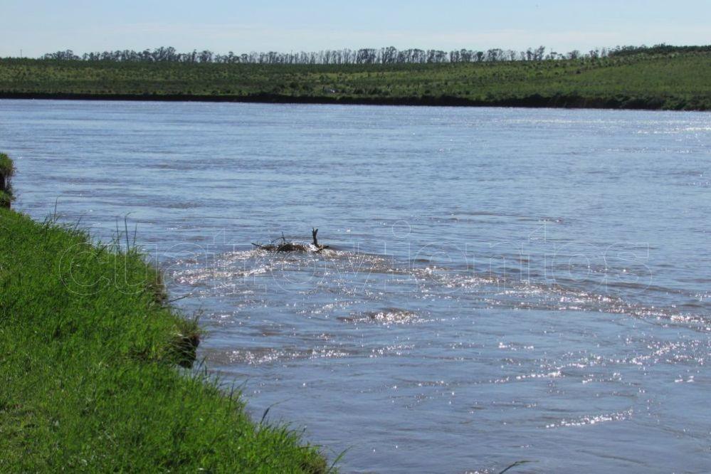 Video: El Río Quequén continúa desbordándose en el Paseo de la Ribera