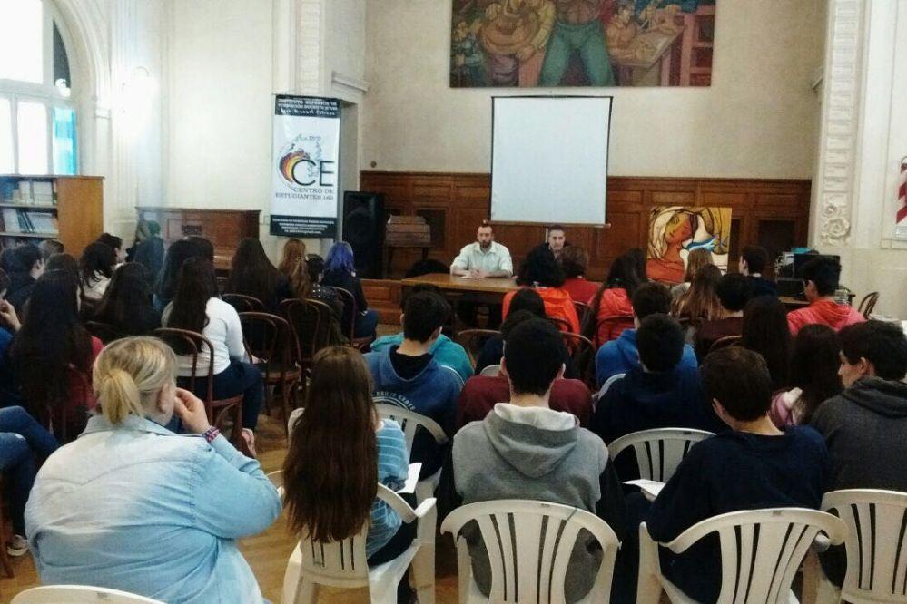 La Muni asesora a estudiantes para sus viajes de egresados