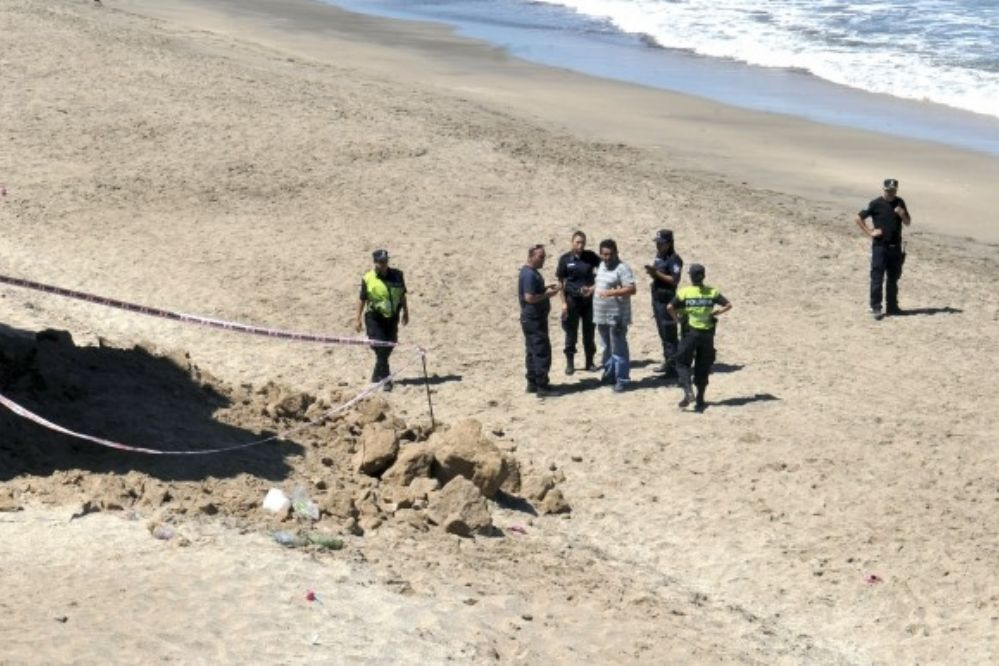 Tragedia en Mar del Plata: Murió una nena de 2 años tras un desmoronamiento en la playa