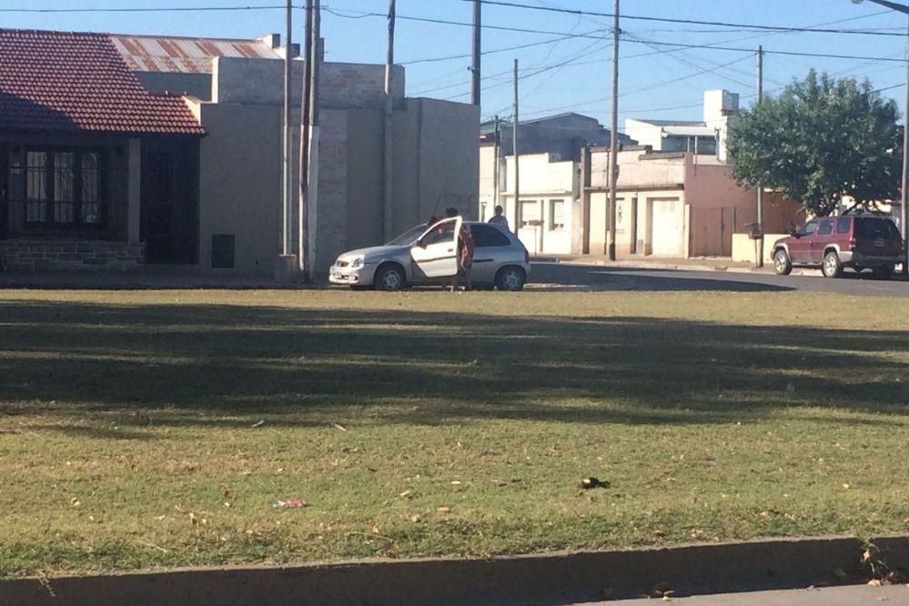 Accidente entre dos coches en avenida 58 y 73